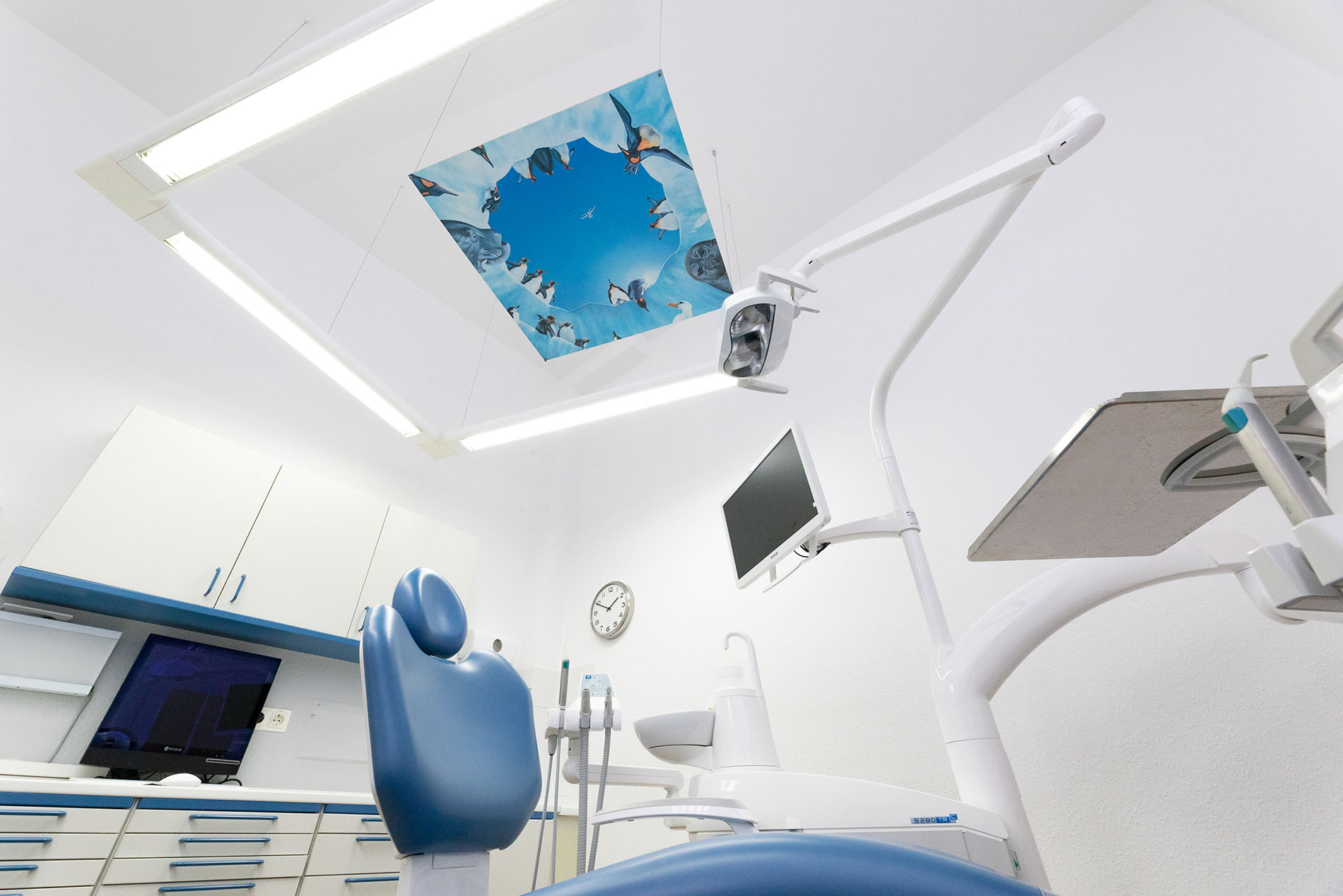 Großes Behandlungszimmer